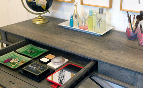 3 reasons you need a bedroom vanity