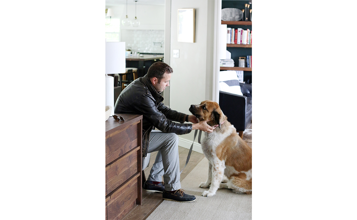 Man and dog, entryway