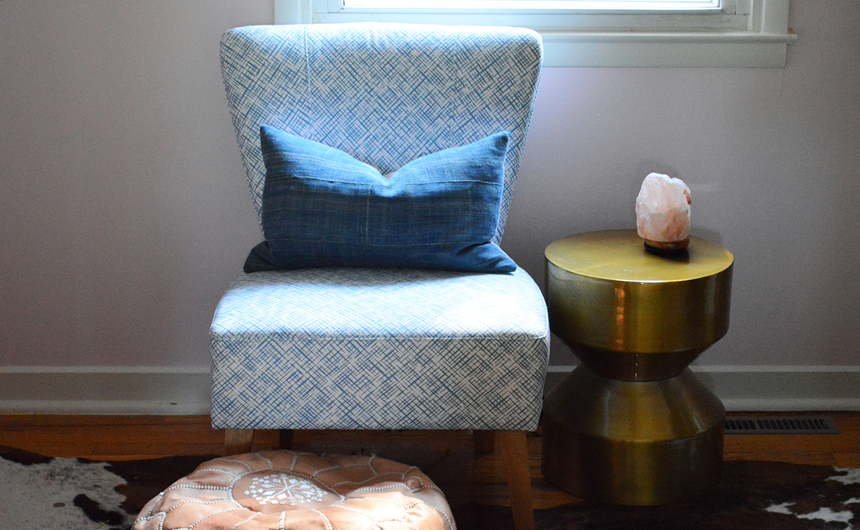 Accent chair, upholstered chair, living room