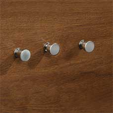 <a href='/Collections/Shoal-Creek/Oiled-Oak.aspx?type=HP&index=4'>Contemporary Nickel Round Metal Knob Set</a>